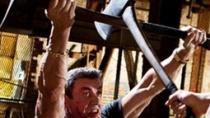 《赤警威龙》曝片段 史泰龙67岁威猛肌肉不减当年