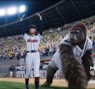 大猩猩亮相棒球场