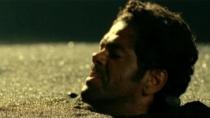 《追踪长尾豹马修》片段 地牢窝里斗互吐石子泄气