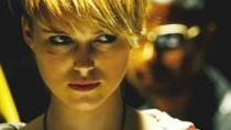 《多米诺》中文预告片 野性张扬少女超酷赏金猎手