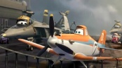 《飞机总动员》曝光片段 小飞机平安落降航空母舰