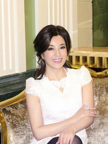 刘晓庆被曝去年已注册结婚 丈夫很支持她的事业