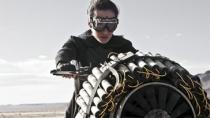 《驱魔者》片段 Maggie Q摩托飞车捣毁急速列车