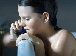 301期:《老友记》经典回顾 十岁小女沐浴作告别