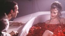 《美国丽人》预告片 中年男情迷芳龄少女陷泥潭