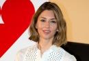 《珠光宝气》东京首映 索菲亚·科波拉知性迷人