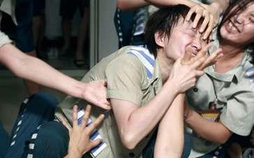 《爱·回家》预告片 中国女子监狱中的暴力生活