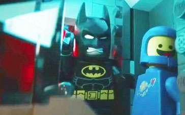 《乐高大电影》中文预告片 蝙蝠侠造恶搞战车被毁