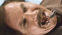 《王牌播音员2》中文英国版预告 法瑞尔误吞蝎子