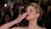 《饥饿游戏2》罗马盛大首映 劳伦斯飞吻致意影迷