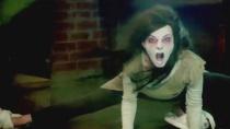 《鬼屋大电影2》预告 保险箱意外掉落砸扁小白狗