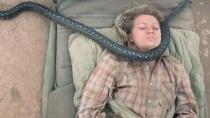 《沙漠驼影》首曝预告片 米娅穿越沙漠蟒蛇缠身