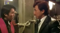 《喜剧之王》片段 大哥成龙为周星驰拼命跑龙套