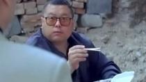 《我叫刘跃进》片段 高群书狼吞虎咽饰包工头