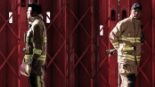《救火英雄》平安夜版预告 提档1月3日与大片开打