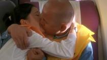 《不见不散》电影片段 葛优与徐帆机舱内含泪热吻