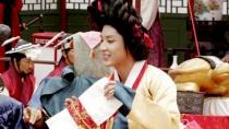 《王的男人》片段 李准基扮嫔妃跳舞魅惑皇帝