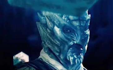 《诡镇》前导预告片 何超仪遭活死人追杀命悬一线