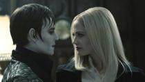 《黑影》中文预告德普另类艳遇 吸血鬼激情一刻