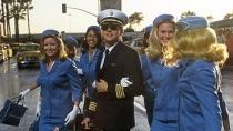 《逍遥法外》片段 通缉犯莱昂纳多空姐环绕躲追查