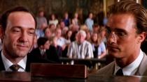 """《杀戮时刻》片段 """"律师""""马修法庭对战史派西"""