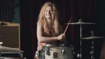 《唯爱永生》中文片段 米娅打击架子鼓俏皮可爱