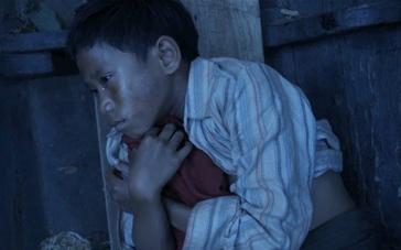 《火箭》预告片 非凡男孩历尽磨难艰辛求自我证明
