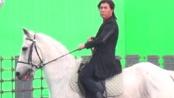 """《冰封侠》甄子丹策马驰骋 片场""""坐骑""""换不停"""