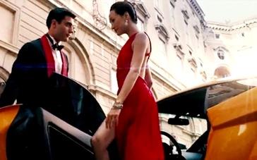 《碟中谍3》美女片段 Maggie Q高叉露背裙驾豪车