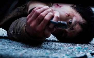 《哭泣的男人》中文预告 《大叔》导演联手张东健