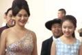 《少年闵子骞》主创红毯秀 童星混搭性感美女登场