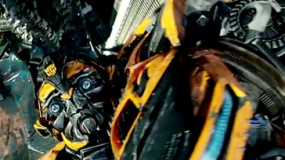《变形金刚4》中文宣传片 机甲对决IMAX震撼呈现