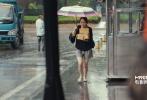"""暑期档爆笑电影《分手大师》马上就要在6月27日正式上映。6月17日,片方再发""""女汉子""""版宣传特辑。特辑中还原了电影中杨幂饰演的""""叶小春""""为代表的都市女汉子的真实经历。以4位风格各异""""女汉子""""闺蜜团的走心故事为主线。加上采访路人对女汉子群体的印象。用最真实、最直白的语言反映出女汉子们对工作、生活的态度,直击女孩子的内心世界。也让观众们重新认识了这群可爱、上进、又认真执着的""""女汉子""""。"""