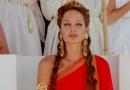 《亚历山大大帝》片段 朱莉冷面观看角斗场厮杀