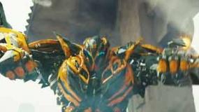 《变形金刚4》新宣传片 大黄蜂火力全开怒射敌人