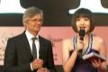 """比利·奥古斯特亮相红毯 采访中坦言上海""""多变"""""""
