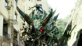 《变形金刚4》宣传片 决战正酣机器恐龙残暴追逐