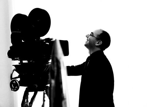 揭秘多多的电影教室名字由来 经典影片激励公益项目