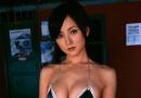 日本嫩模小松彩夏泡花瓣浴 俏皮性感妩媚多姿