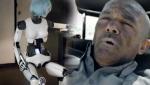科幻片《机器军团》首曝预告 班德拉斯领衔未来战役