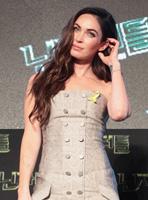 《忍者神龟》韩国首映 梅根·福克斯超短裙亮相