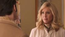 《犯罪生活》精彩片段 安妮斯顿一夜情后受邀午饭