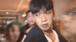 柯震东29日凌晨获释疑打人 经纪人:是出手拉爸爸
