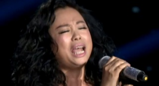 黄绮珊深情献唱《等待》 天籁女声疯狂飙高音