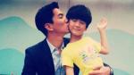 天天上小学父亲微博送祝福 张亮自称学霸遭吐槽