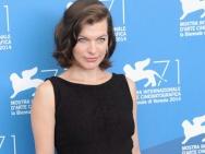 《辛白林》发布会 主创现身乔沃维奇黑裙亮相