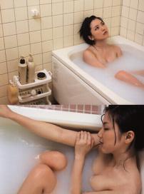 好身材看光光!真野惠里菜浴缸泡澡湿身玩性感