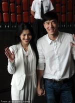刘翔领证后携娇妻首度亮相 穿情侣白衣秀恩爱