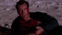 《虎胆龙威2》惊险片段 威利斯煤油点火炸毁飞机