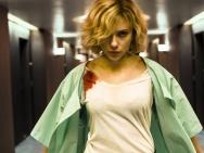 《超体》10月震撼来袭 超能力女英雄搅热影市